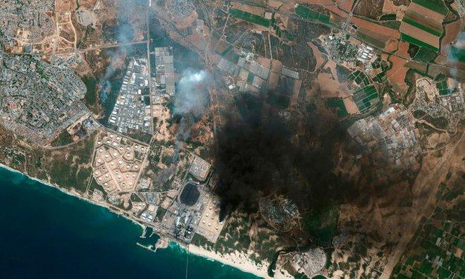 Hamas đánh thọc sườn Israel: Mặt trận mới cực kỳ hiểm độc - Thiệt hại khôn lường! - Ảnh 1.