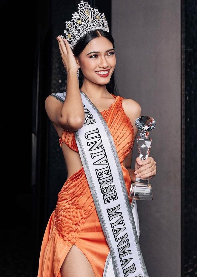 Nhan sắc của Hoa hậu Myanmar gây chú ý vì cầu cứu trên sân khấu Hoa hậu Hoàn vũ Thế giới? - Ảnh 4.