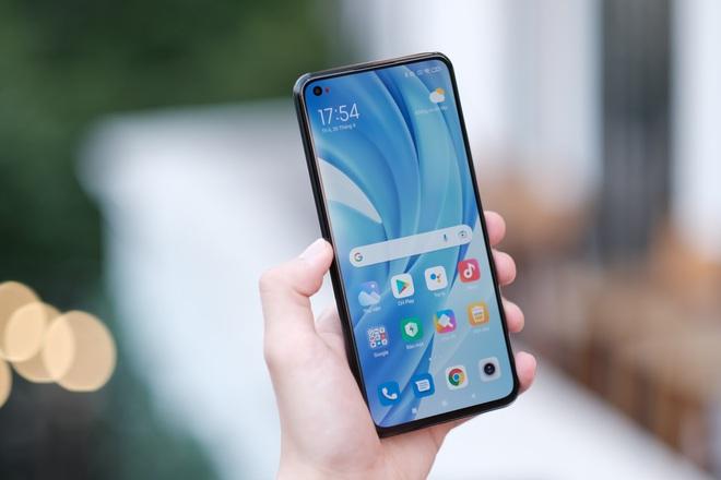 Trên tay Xiaomi Mi 11 Lite: Smartphone mỏng nhẹ và đáng mua nhất phân khúc dưới 7 triệu đồng - Ảnh 9.