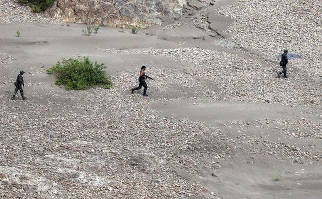Quân đội Myanmar và nhóm vũ trang giao tranh dữ dội gần biên giới