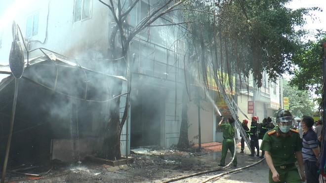 Hà Nội: Quán bia bốc cháy ngùn ngụt ở Thường Tín - Ảnh 1.