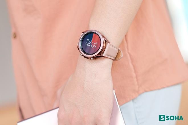 Nếu không dùng iPhone thì đâu là chiếc smartwatch đáng mua nhất cho bạn? - Ảnh 1.