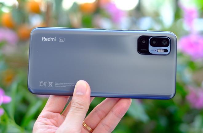 Có gì trong chiếc smartphone 5G rẻ nhất Việt Nam? - Ảnh 1.