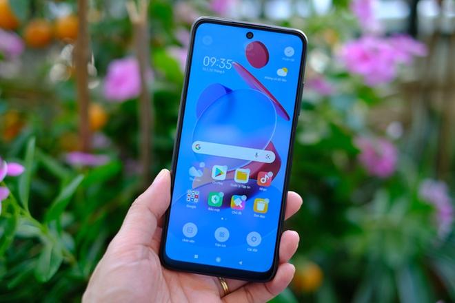 Có gì trong chiếc smartphone 5G rẻ nhất Việt Nam? - Ảnh 2.