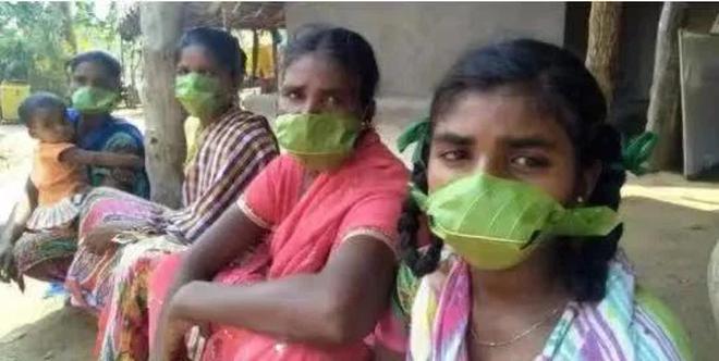 Thảm cảnh ở Ấn Độ: Có thi thể bị chó hoang cắn xé, người dân bất lực dùng cả lá cây làm khẩu trang - Ảnh 8.
