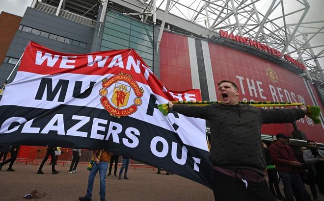 """CĐV MU biểu tình làm loạn Old Trafford: """"Đây mới là điểm khởi đầu"""""""