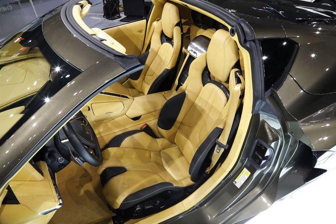 Siêu xe của Mỹ tăng tốc 0-100km trong 2,9 giây, đạt trên 300km/h: Động cơ như VinFast President - Ảnh 4.