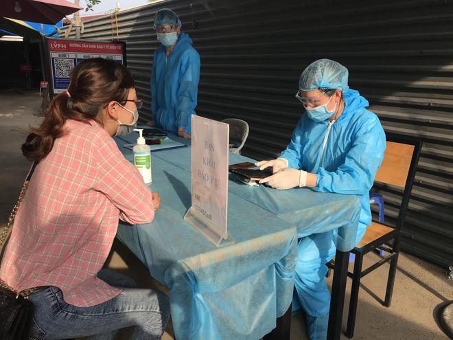 PGS.TS Lương Ngọc Khuê: Phải coi tất cả người đến khám là F0 để sàng lọc kỹ, bảo vệ bệnh viện an toàn - Ảnh 1.