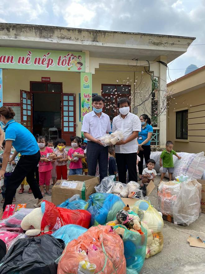 Ông Đoàn Ngọc Hải tự tay mua 50kg thịt heo loại ngon nhất  cho các bé ăn dần ở Na Rì - Bắc Kạn - Ảnh 4.
