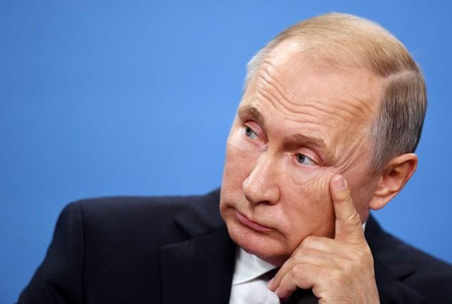 Xuất quân diễu võ dương oai Ukraine, ông Putin muốn mài cho Nga lưỡi kiếm sắc?  - Ảnh 1.