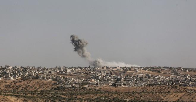 Bí mật bất ngờ sau kho vũ khí của IS mới được phát hiện ở Homs, Syria - Ảnh 2.