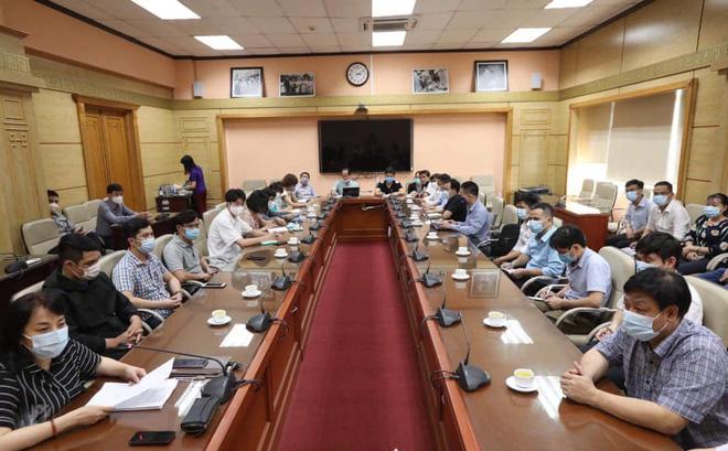 Việt Nam cử 35 chuyên gia y tế sang hỗ trợ nước bạn Lào phòng chống dịch Covid-19
