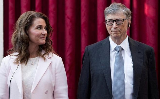 Từng nổi tiếng 'nghiện vợ', không ngại rửa bát, đưa đón con đi học, Bill Gates kết thúc cuộc hôn nhân 27 năm bằng câu 'không còn tin cả 2 có thể đi cùng nhau'