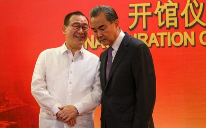 Ngoại trưởng Philippines xin lỗi vụ mắng Trung Quốc sau khi Duterte nói chỉ có ông được chửi thề