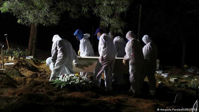 Quốc gia Nam Mỹ khốn khổ vì COVID-19 tái bùng phát: Số ca tử vong vượt mốc 400.000, lọt top đầu thế giới - Ảnh 2.