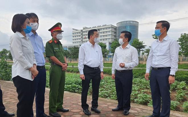 Chủ tịch Hà Nội: Phong tỏa lập tức BV Nhiệt đới TƯ do có ca dương tính mới ở cả bác sĩ, bệnh nhân, người nhà