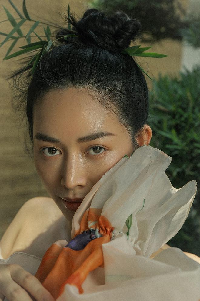 Diễn viên Mai Thanh Hà khoe khéo vẻ gợi cảm, vóc dáng nuột nà - Ảnh 3.