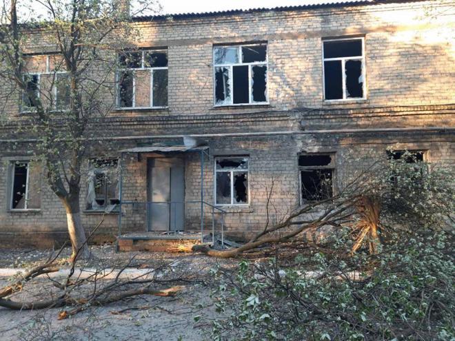 NÓNG: Bệnh viện có hàng chục bệnh nhân Covid-19 ở Donbass bị tập kích, mất điện! - Ảnh 2.