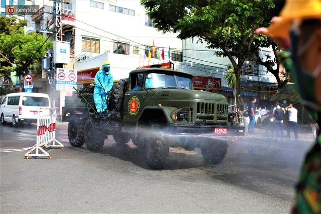 Trưởng khoa của Bệnh viện Quân Y 105 dương tính với SARS-CoV-2; Có 5 người mắc Covid-19, Thái Bình giãn cách xã hội toàn tỉnh - Ảnh 3.