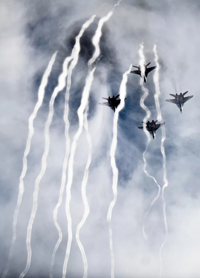 Những điều ít biết về phi đội nhào lộn huyền thoại chuyên bay MiG-29 của không quân Nga - ảnh 4