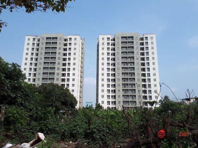 """Loạt chung cư tái định cư """"bỏ hoang"""" giữa Hà Nội nhiều năm, ai nhìn cũng xót xa - Ảnh 5."""