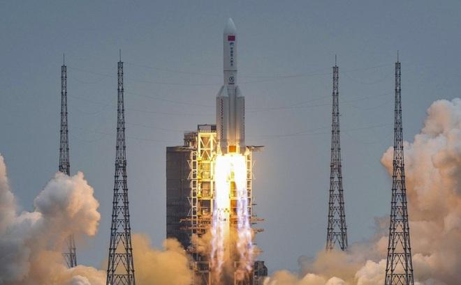 Tên lửa Trường Chinh 5B rơi mất kiểm soát xuống Trái đất vì Trung Quốc không làm như Nga, Mỹ?