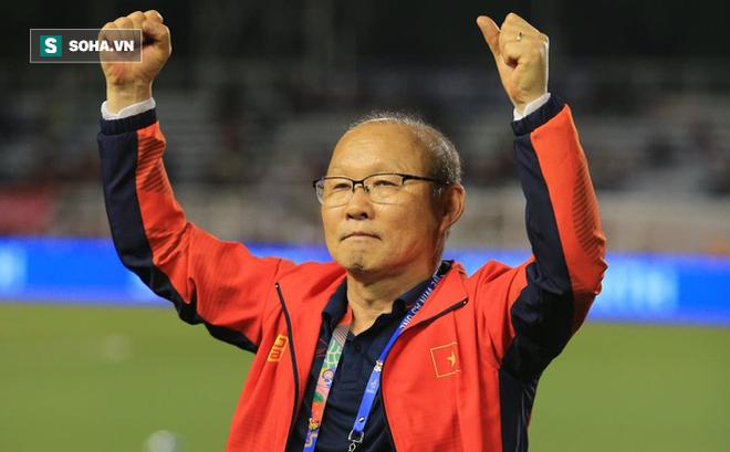 Trả lời báo Hàn, HLV Park nói một câu đầy cứng rắn về khả năng bị thay thế bởi Kiatisuk