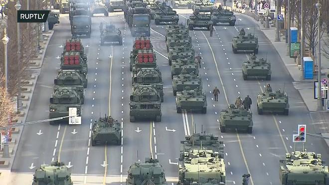 Donbass cảnh báo chiến tranh hạt nhân có thể nổ ra sau cuộc gặp Putin-Biden - Iran tấn công Israel trên cùng lúc 10 mặt trận - Ảnh 1.