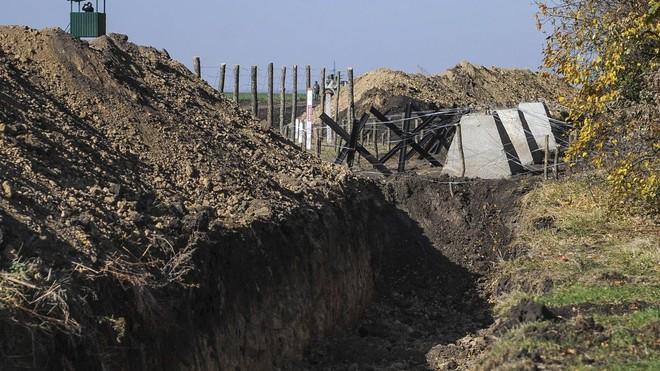 Bất ngờ vũ khí Ukraine chuẩn bị để đón tiếp xe tăng Nga: Cơn ác mộng của bộ binh! - Ảnh 1.