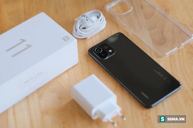 Trên tay Xiaomi Mi 11 Lite: Smartphone mỏng nhẹ và đáng mua nhất phân khúc dưới 7 triệu đồng - Ảnh 3.