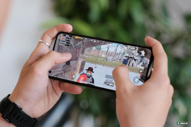 Trên tay Xiaomi Mi 11 Lite: Smartphone mỏng nhẹ và đáng mua nhất phân khúc dưới 7 triệu đồng - Ảnh 14.
