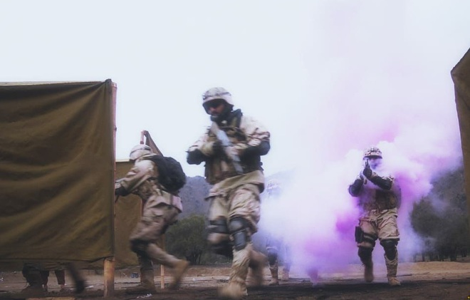 Iran ra 10 độc chiêu uy hiếp Israel - Lính Ukraine thương vong liên tiếp giữa lúc quan chức Châu Âu tới giới tuyến Donbass - Ảnh 1.