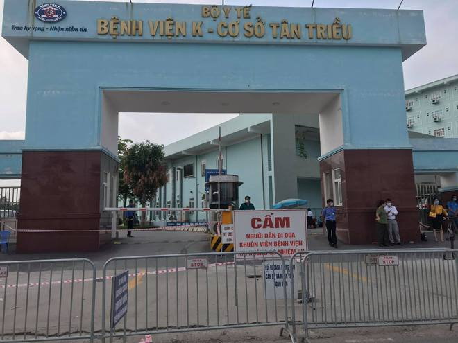 Thứ trưởng Bộ Y tế thông tin chi tiết ca F0 đầu tiên lây Covid-19 cho 9 ca khác ở Bệnh viện K Tân Triều - Ảnh 4.