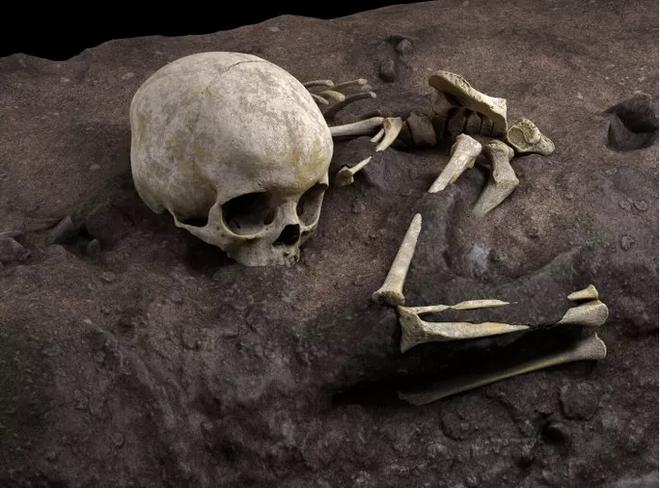 Phát hiện mộ Homo sapiens cổ xưa nhất thế giới, như vượt thời gian - Ảnh 2.