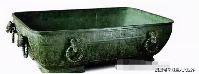 Hai siêu bảo vật quốc gia bạc mệnh nhất Trung Quốc: Làm từ 3,5 tấn ngọc bích mà bị coi là hũ muối dưa - Ảnh 3.