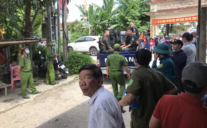 Vụ 2 người bị chủ nhà bắn chết: Đang đứng ngoài cổng thì bị bắn nhiều phát vào đầu, ngực