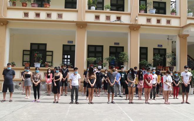 Bất chấp lệnh cấm, chủ quán karaoke ở Bắc Ninh cho 33 'nam thanh nữ tú'  bay lắc