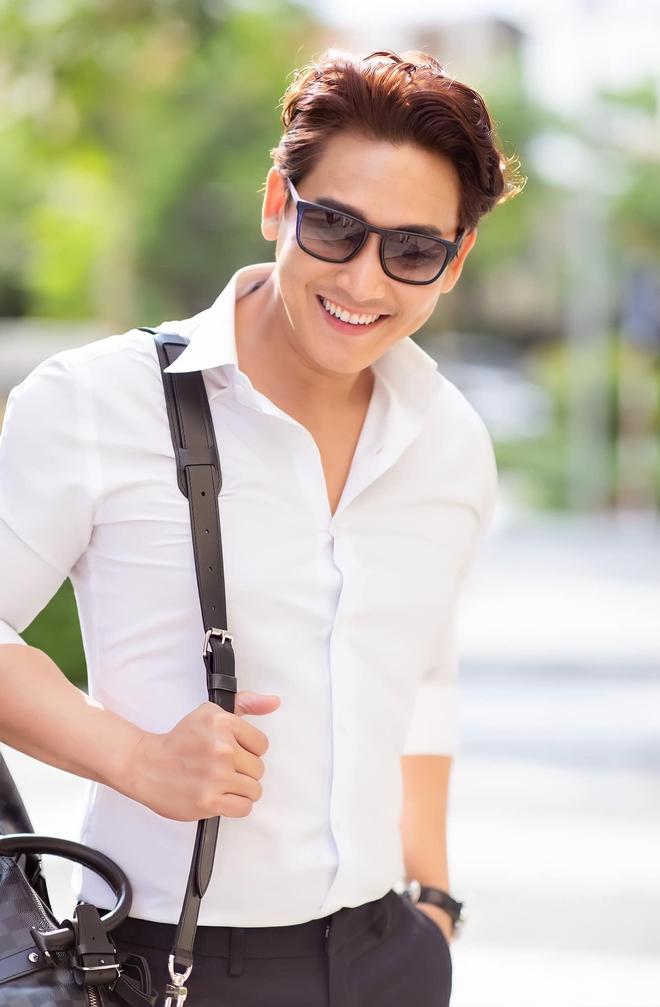 Soái ca màn ảnh Việt Hứa Vĩ Văn: Scandal tình cảm với Hiền Thục, 42 tuổi vẫn độc thân - Ảnh 5.