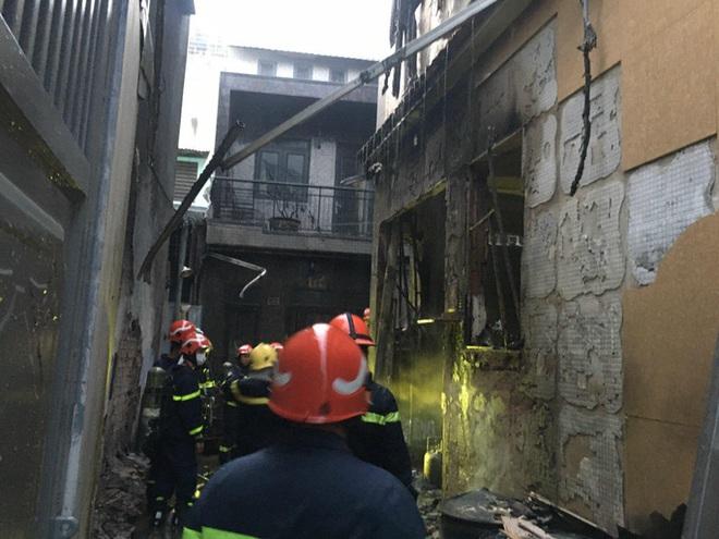 Vụ cháy thương tâm làm 8 người tử vong: Mấy cháu nhỏ trong nhà chiều nay đón cô giáo đến dạy kèm thì gặp nạn - Ảnh 8.