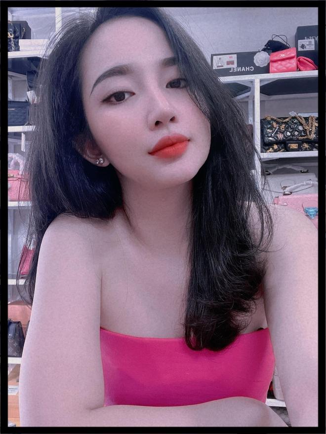 Em vợ Lê Dương Bảo Lâm xinh đẹp không kém hot girl - Ảnh 9.