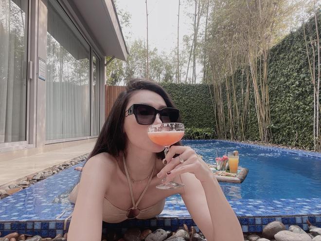 Lần hiếm hoi đăng ảnh bikini, MC Minh Hà khiến người xem bỏng mắt vì thân hình nóng bỏng - Ảnh 6.