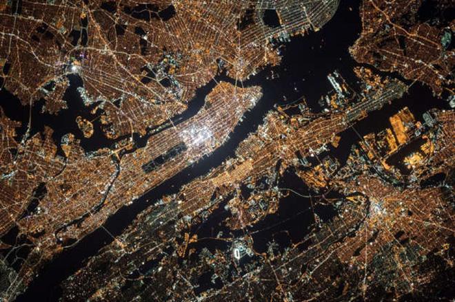 Cảnh tượng ngoạn mục của Trái Đất khi nhìn từ vũ trụ - ảnh 5