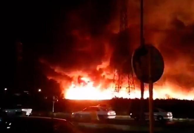 Thành phố trọng yếu của Iran rực lửa như địa ngục, tình báo Israel đã ra tay? - ảnh 2