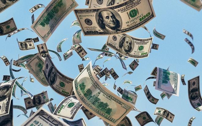 Chuyện gì sẽ xảy ra với thị trường chứng khoán và tiền số khi Fed dập tắt 'cơn mưa tiền'? - ảnh 1