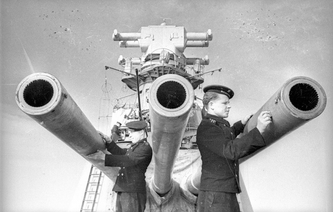Thế chiến II dưới ống kính nhiếp ảnh gia huyền thoại Yevgeny Khaldei - ảnh 12