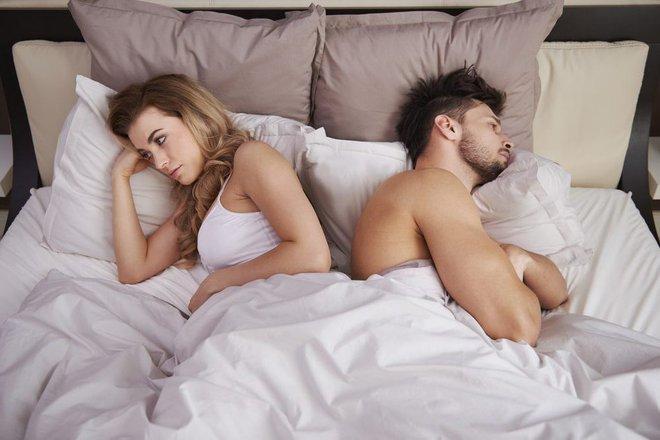 Lười 'yêu' vì đại dịch Covid-19: Chuyên gia tình dục mách bí quyết cho mọi cặp đôi - Ảnh 1.