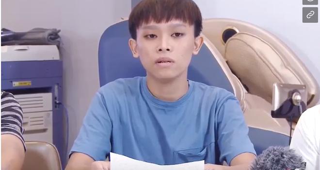 Hồ Văn Cường và bố mẹ ruột tung clip tố cáo: Bị chị ruột dụ dỗ làm hại, xin lỗi Phi Nhung - Ảnh 4.