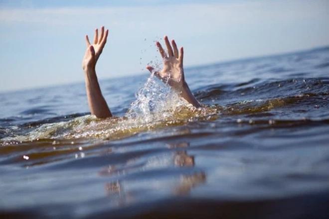 Bỏ tiền ra cứu người phụ nữ tự tử trên sông, người đàn ông không thể ngờ ngay trong đêm đó, anh ta thoát chết - Ảnh 2.