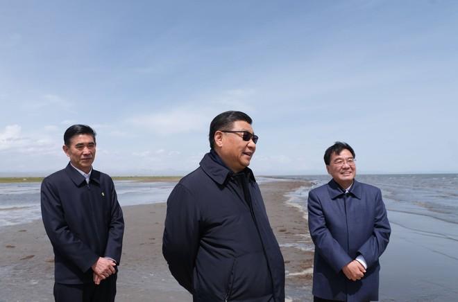 Bốn nguyên thủ nổi tiếng thế giới Tập-Putin-Kim-Biden khi đeo kính râm trông sẽ như thế nào? - Ảnh 3.