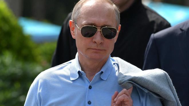 Bốn nguyên thủ nổi tiếng thế giới Tập-Putin-Kim-Biden khi đeo kính râm trông sẽ như thế nào? - Ảnh 11.